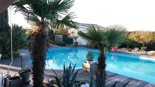 Acheter superbe contemporaine avec piscine et jardin for Prix piscine 5x10