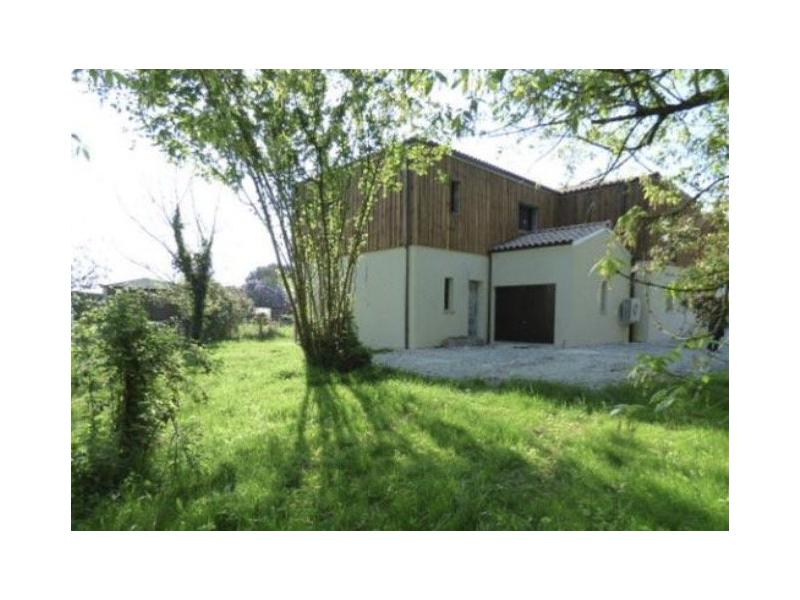 Prix maison neuve m2 maison a vendre la 110 m2 6 maison for Prix petite maison neuve