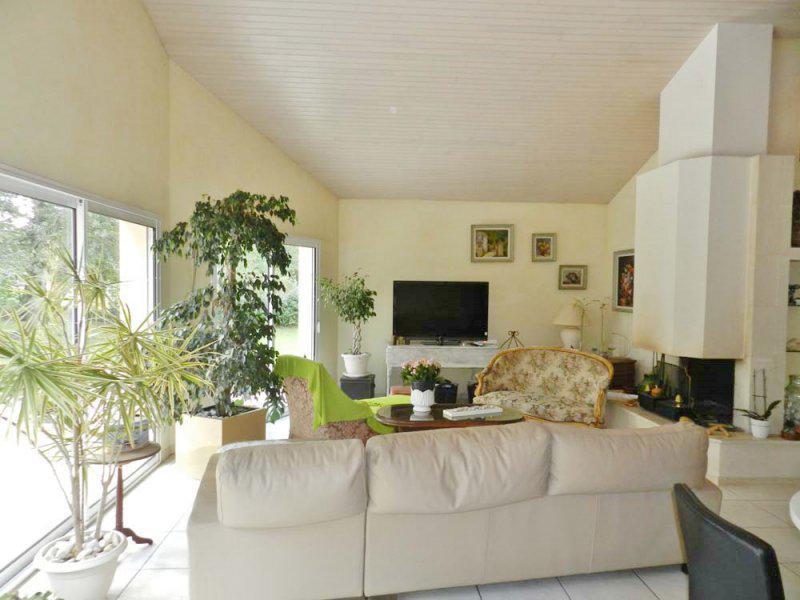 Acheter superbe contemporaine en centre ville calliope for Appartement cathedrale ybh bordeaux